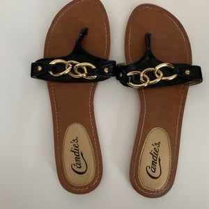 Candies Black and Gold Chain Sz. 8 Sandals